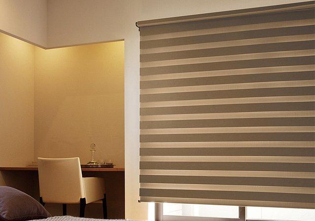 TOSO調光ロールスクリーン ゼブラシークル 調光 遮光 幅30~200cm・高さ30~240cm