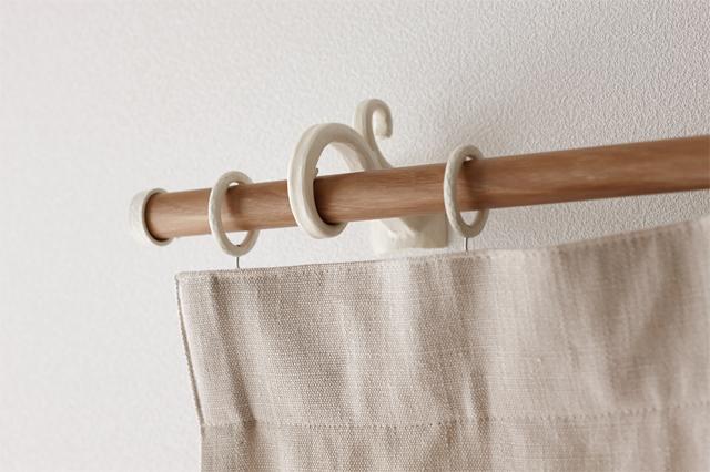 TOSO カーテンレール ルブラン22 装飾的なロートアイアン調ブラケット