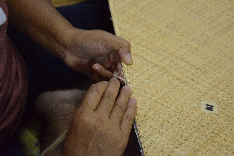 アジロ製作工程 かがり縫い