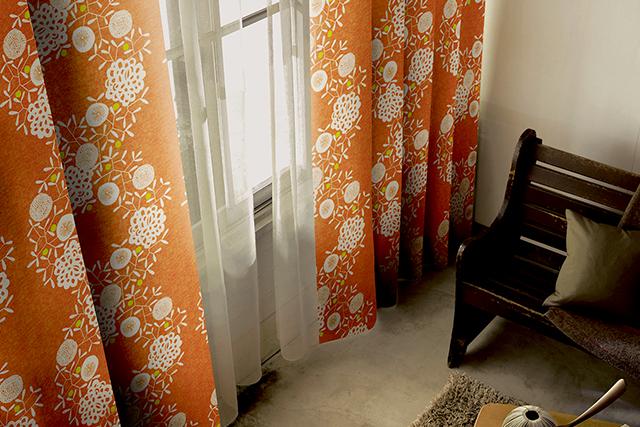 【オーダーカーテン】デザインライフ フワフワ漂う綿毛が癒しのカーテン ハナカザリ 全体