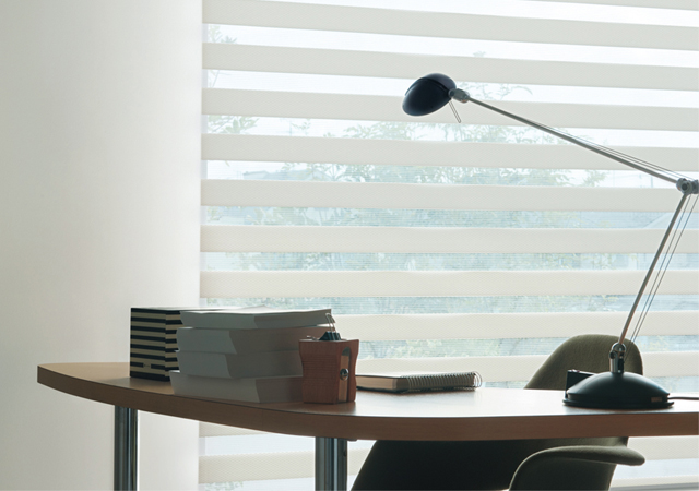 【TOSO調光ロールスクリーン】ロペ  調光  ビジックライト/デコラ  幅30~200cm・高さ30~240cm